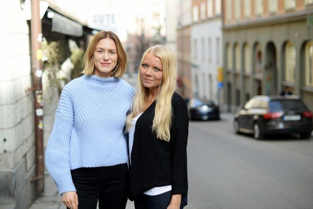 Sofia och Siri gör sin praktik på PR-byrå